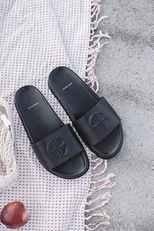 Anine Bing Carson Slides Black sandaler
