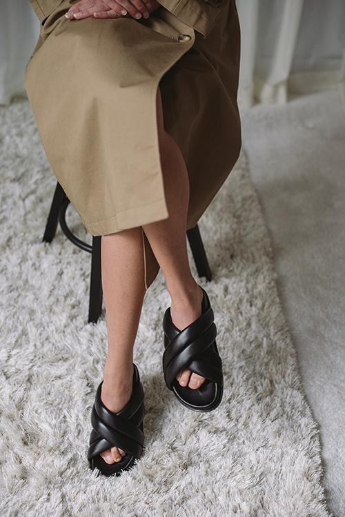 Anine Bing Lizzie Slides Black sandaler