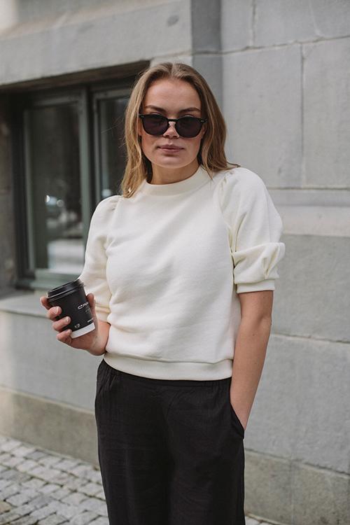Arnie Says Caro College Sweatshirt Off White topp