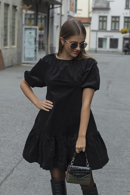 Arnie Says Miri Corduroy Dress Black kjole