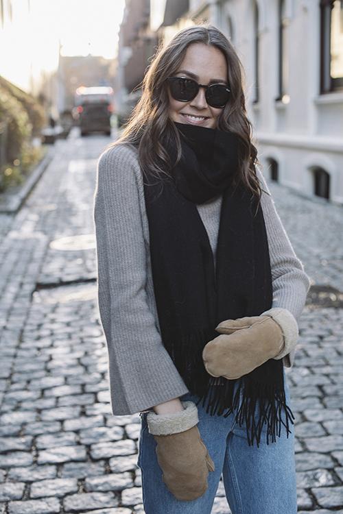 Crystal Edition Wool Scarf Black