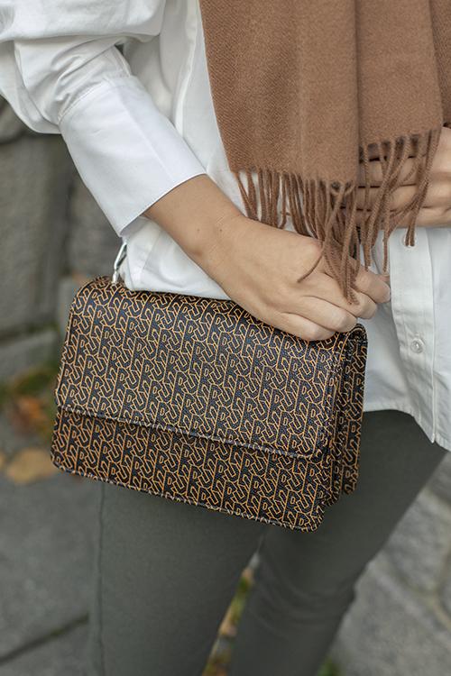 Besra Tonal Maya Bag Black