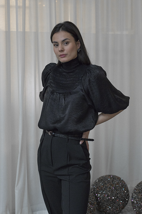 byTiMo Smocking Top Black bluse