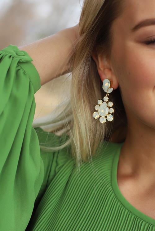 Chara Earring White Opal