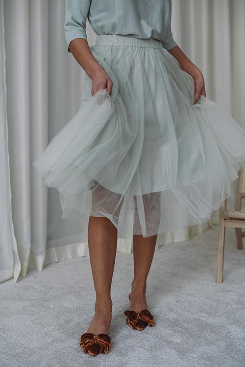 Cathrine Hammel Classic Midi Tulle Skirt Feather Blue skjørt