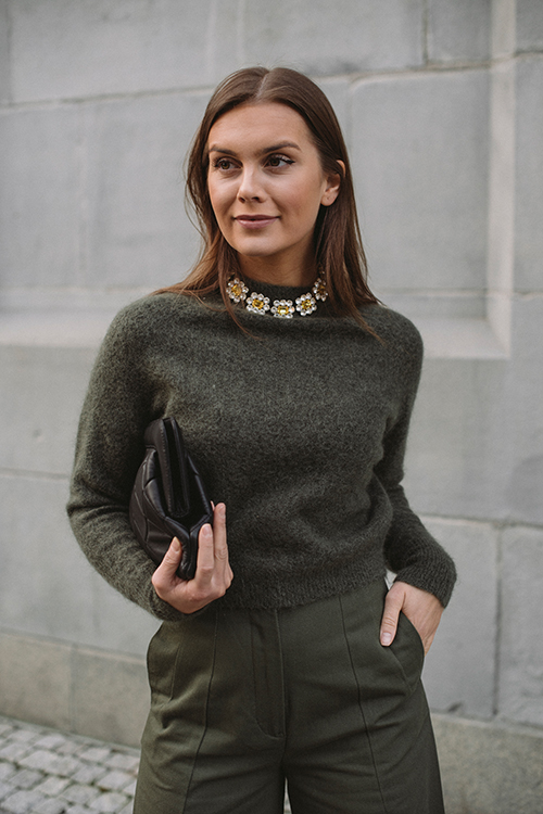 Soft Girlfriend Sweater Army Green