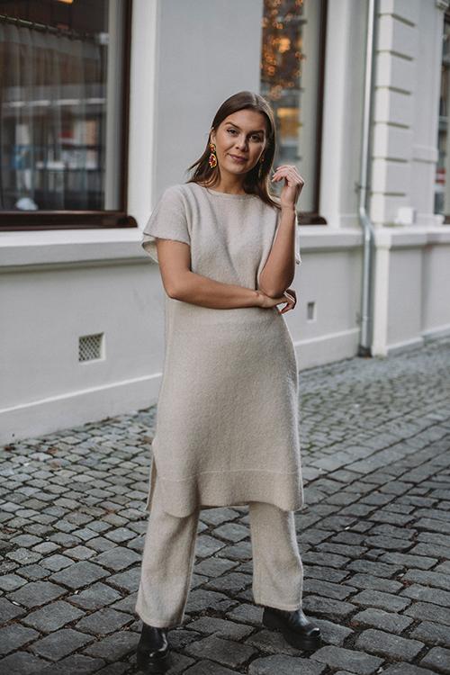 Cathrine Hammel Soft Wide Sleeveless Dress Warm Grey kjole