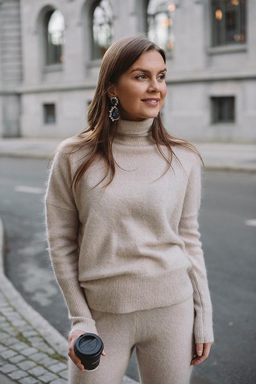 Soft Wide Turtleneck Warm Grey
