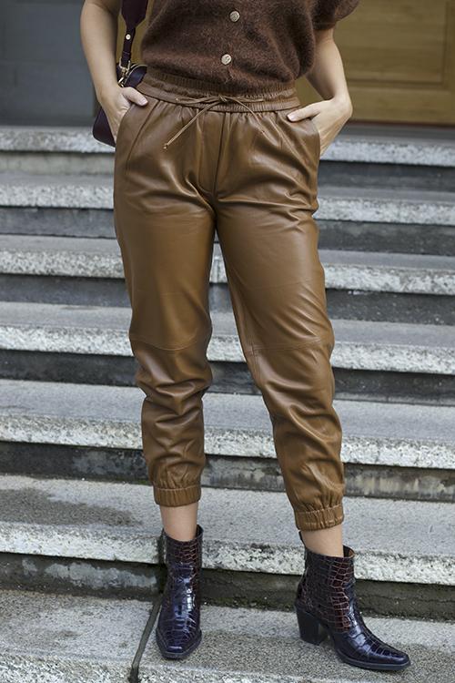 DAY Birger et Mikkelsen Thousand Leather Pants Caramello skinnbukse
