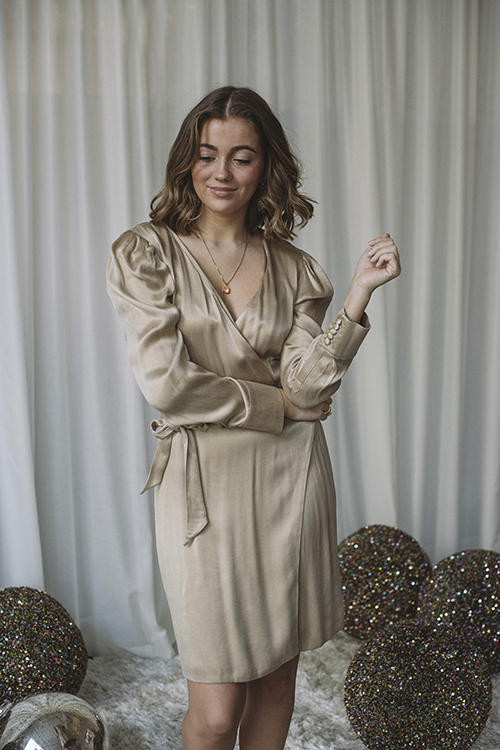 Envelope1976 San Clemente Shine Dress Champagne kjole