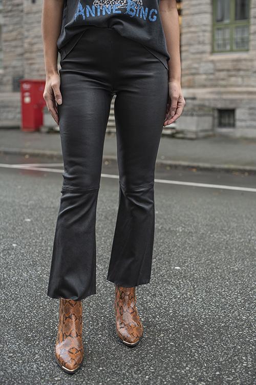 Laya 634 Crop Black Leather