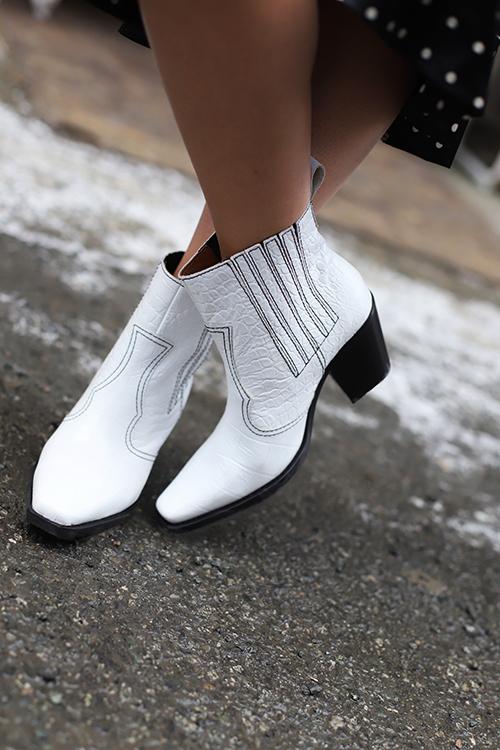 baa44dacbb3 Callie Ankle Boots Bright White | Carma