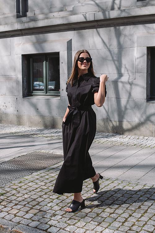 HiiL Studio Amazing Dress Black kjole