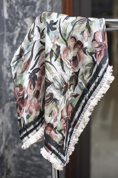 Holzweiler Folklore Silk Neck w/Fringes silkeskjerf