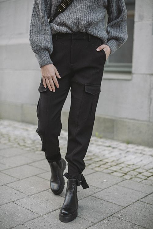 Skunk Suit Trouser Black