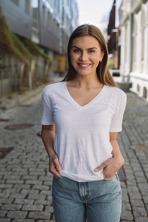 INK Linen T-Shirt V-Neck White t-skjorte