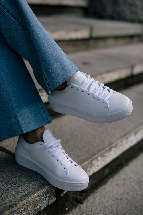 Deuce Court Sneakers White