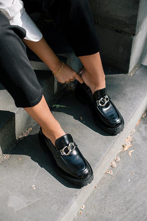 LÄST Master Loafer Black Polido sko
