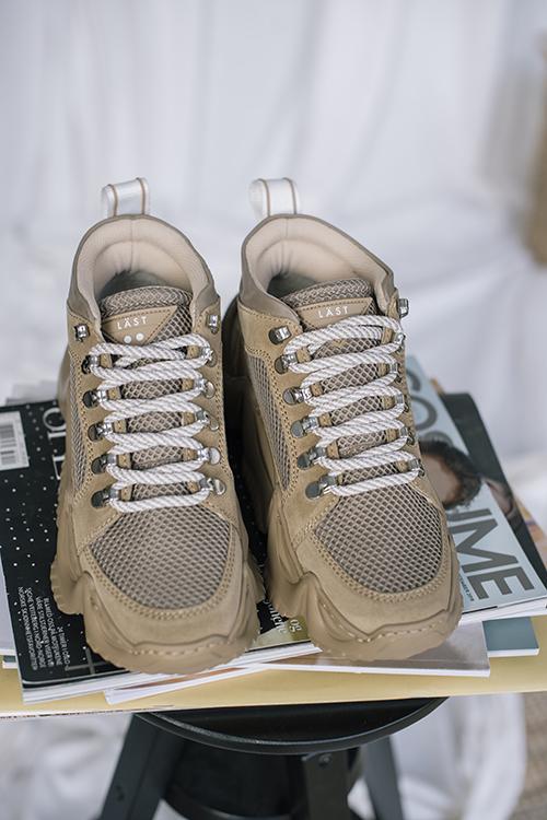 LÄST Track Taupe sko