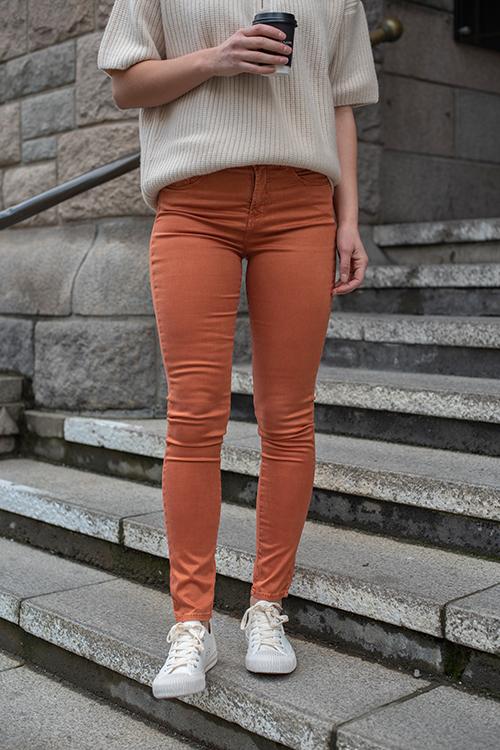 Lois Celia Dana Sateen Orange Rust bukse