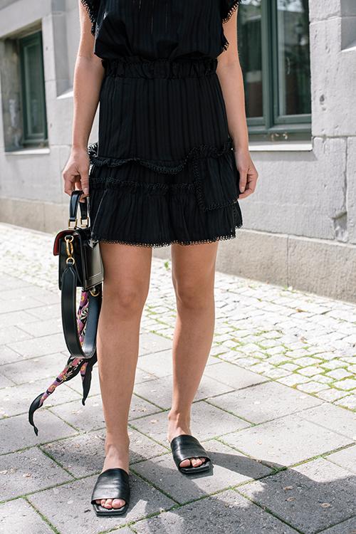 Munthe Pescara Skirt Black skjørt