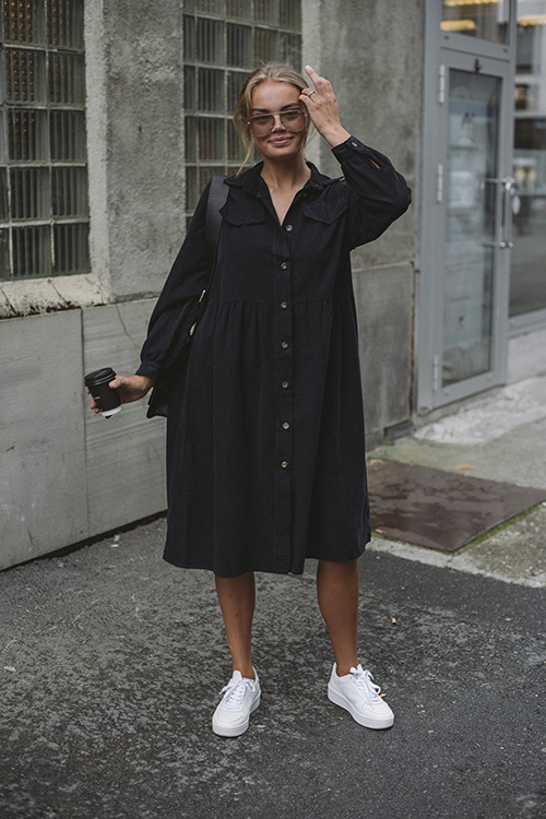 Nectar Maja Cord Black kjole