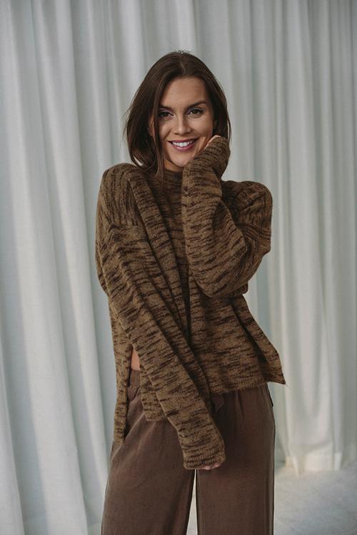 One&other Tiger Sweater Camel Genser