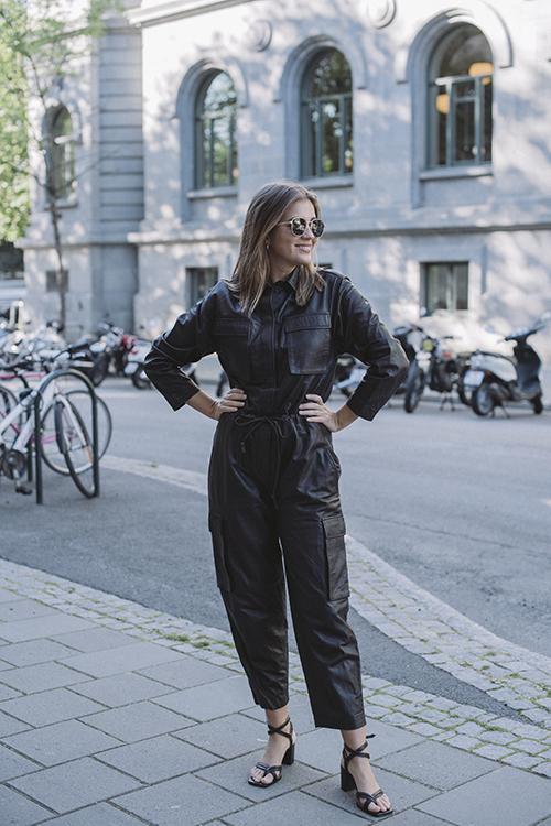 One&Other Una Leather Jumpsuit Espresso buksedress skinn