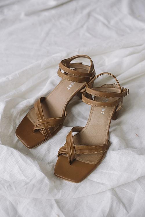 Pavement Aisha Tan sandaler
