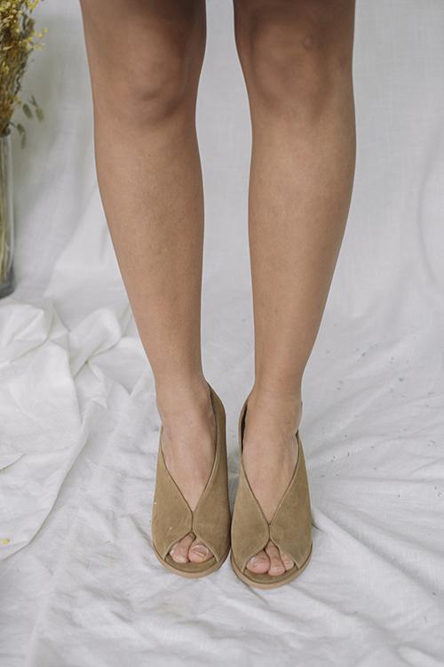 Pavement Limon Taupe Suede sko sandaler