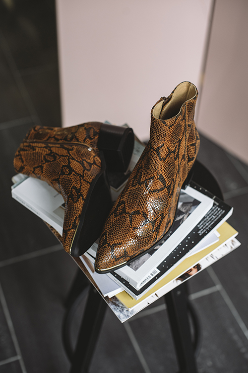 Pavement Sonia Boots Brown Snake ankelstøvletter