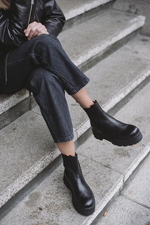 Viola Boots Black Garda