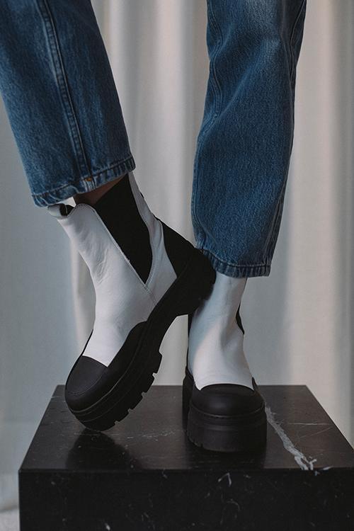 Pavement Viola Rubber White/Black boots