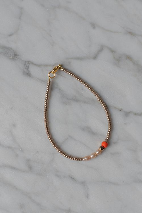 Petit Perles Core Chloe Bracelet Gold armbånd