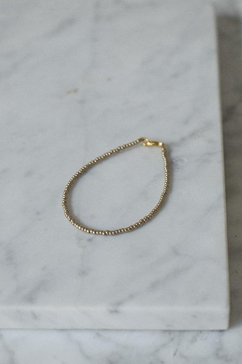 petit perles basic bracelet gold armbånd