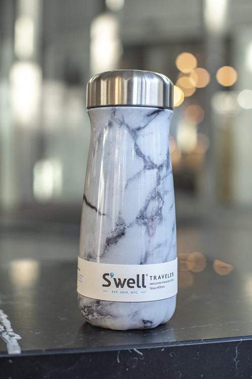 S`well Watercolor Lilies 750ml drikkeflaske